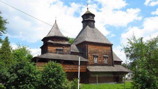 Фото: varianty.lviv.ua / церква Воздвиження Чесного Хреста (Дрогобич)