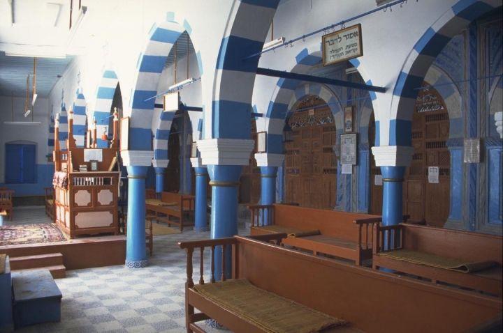 Главный молитвенный зал Большой синагоги в Джербе Тунис. Начало XVIII века