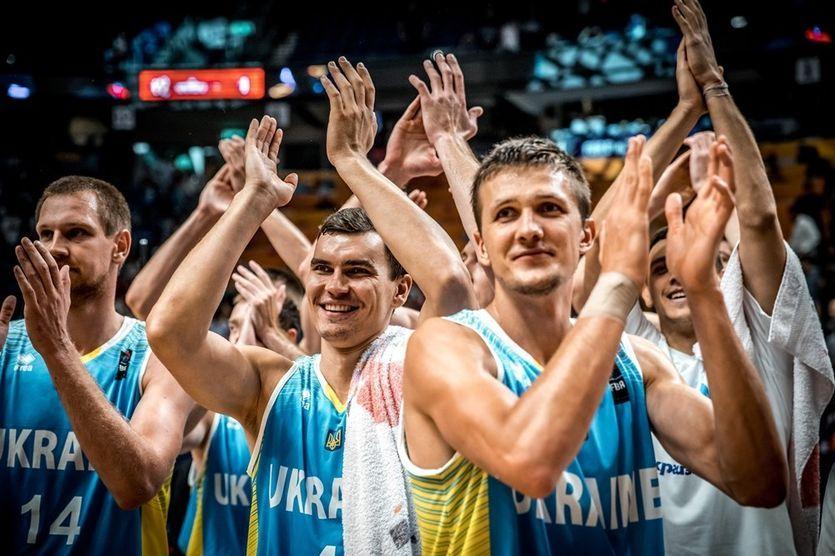 Сборная Украины вошла вТОП-20 улучшенного рейтинга ФИБА