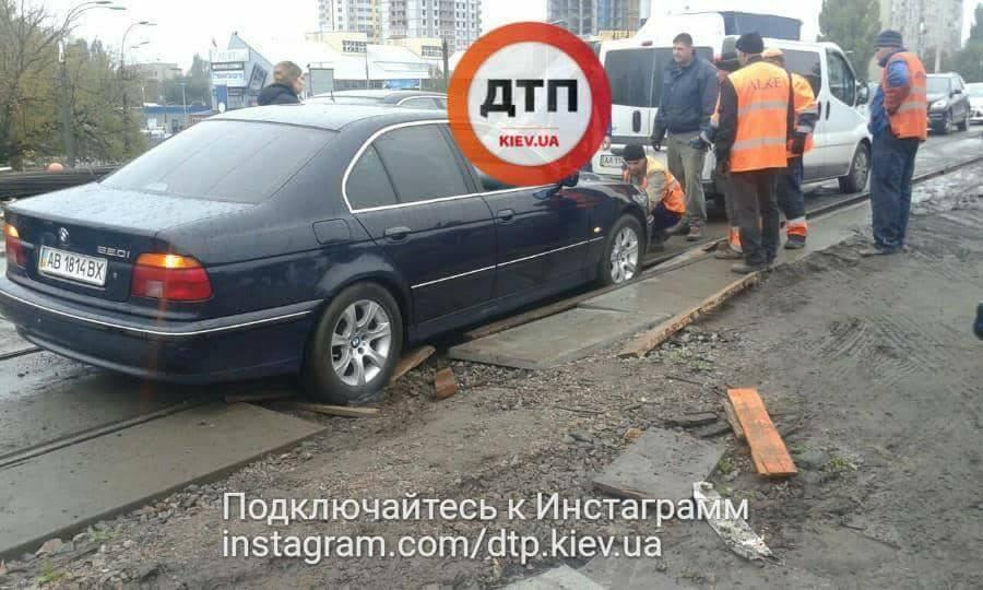 ВКиеве случилось  тройное ДТП из-за потери сознания водителя: есть погибший