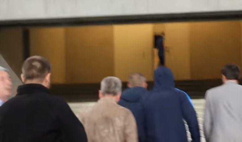Березу избили ультрас: появилось видео, как окровавленного депутата выводят со стадиона