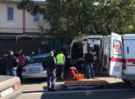 ВОдесской области маршрутка врезалась в дом, есть пострадавшие