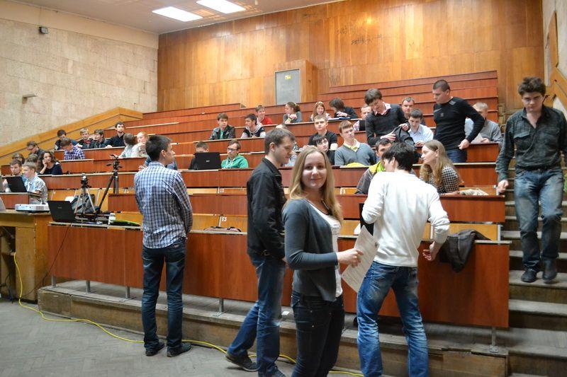В цьому році до вишів за спрощеною процедурою вступило в півтора рази більше переселенців, ніж минулого року / фото talks.asu.kpi.ua