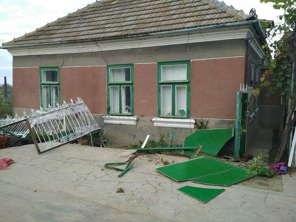 От сильного удара скамейка была разрушена / фото facebook.com/gunp.odessa