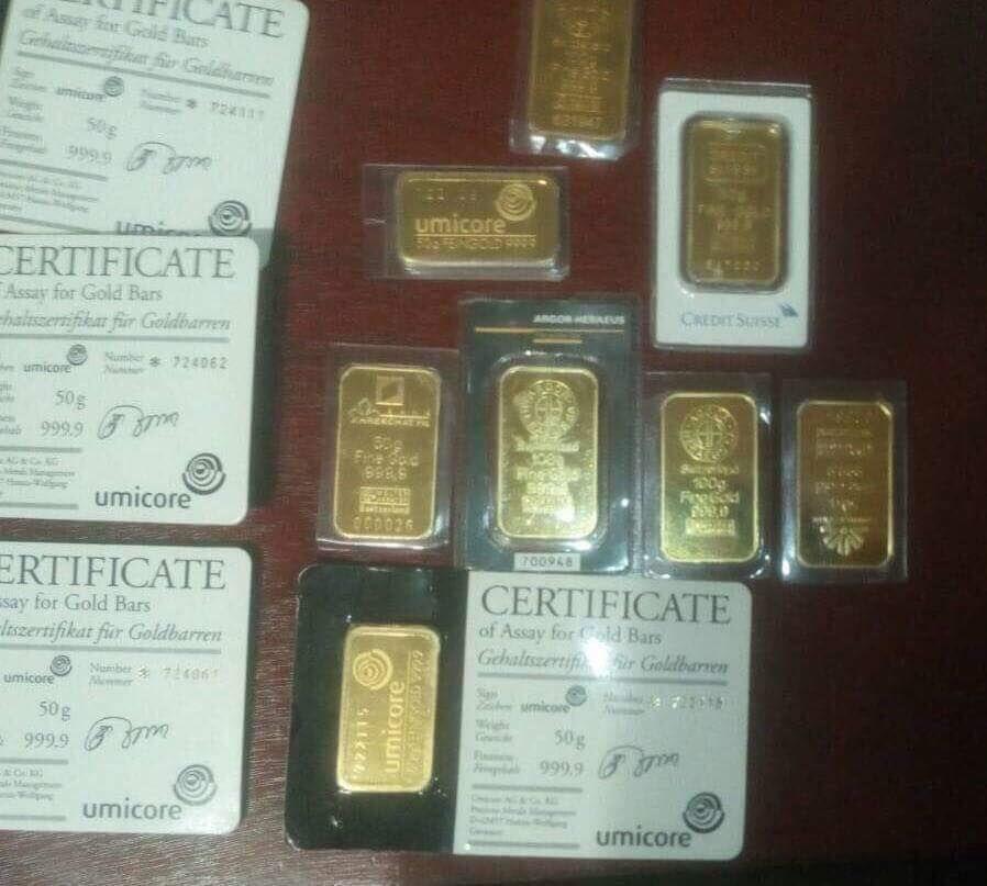 Также изъято 0,8 кг золота / фото facebook.com/LarysaSargan