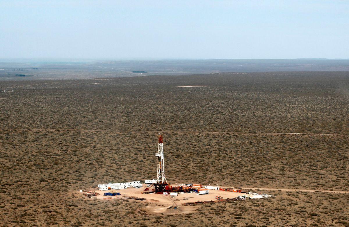 Добыча сланцевой нефти в Аргентине / REUTERS