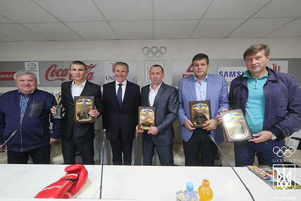 Боксер Хижняк стал лучшим спортсменом сентября в Украине / noc-ukr.org