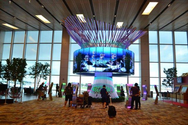 Аэропорт Сингапура считается одним из красивейших в мире / скриншот УНИАН