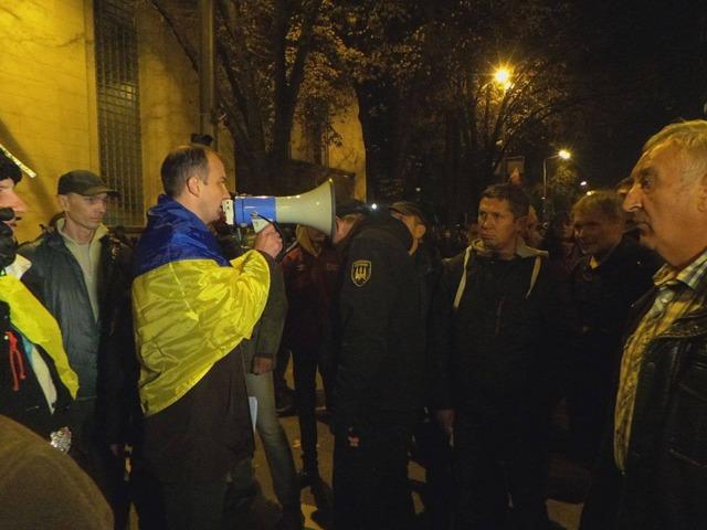 Активісти прийшли на Банкову / фото Олег Богачук, Цензор.НЕТ