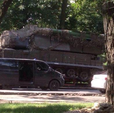 За інформацією слідчих, фотографія була, ймовірно, зроблена в місті Макіївка 17 липня 2014 року, в день трагедії / twitter.com/bellingcat