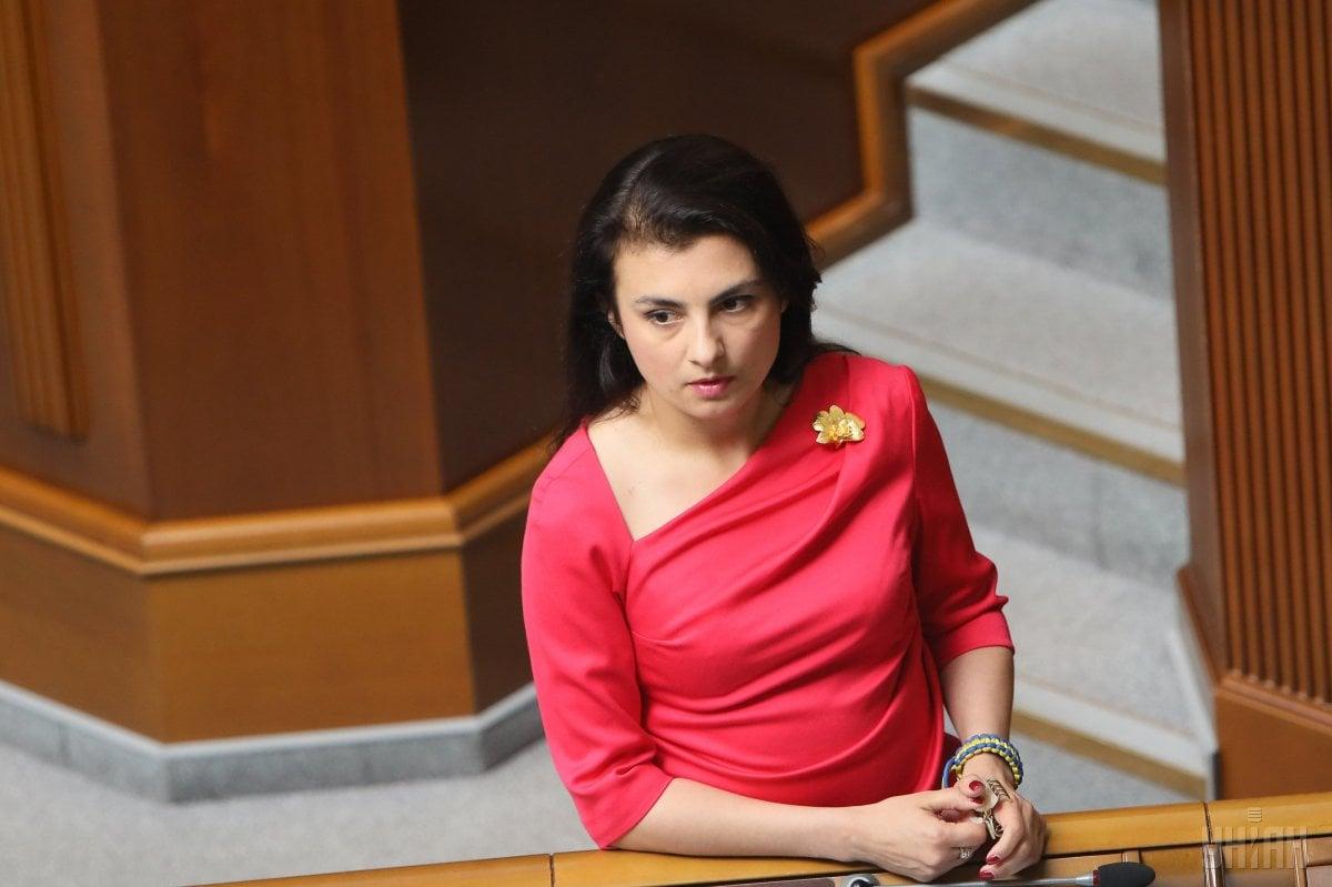 Войцицкий отметила, что отказ называть свою фамилию, законные основания проведения обыска имущества является недостойным для работников государственных силовых структурфото УНИАН