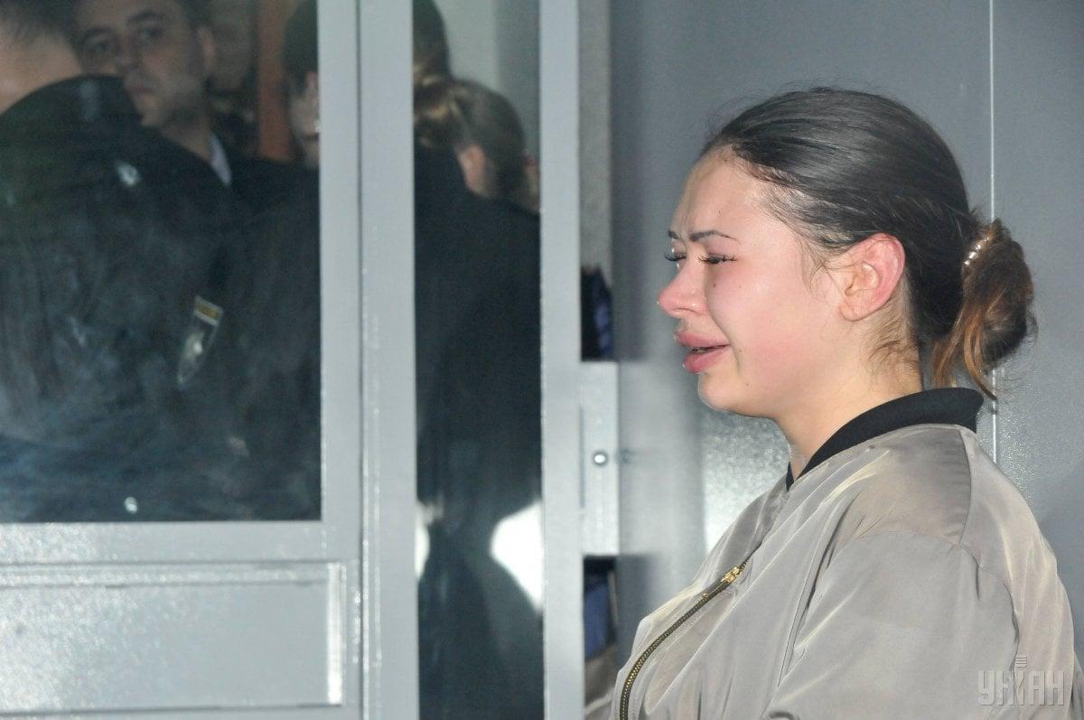 Зайцева на засудании суда плачет / facebook.com/nikolay.krivolapoff