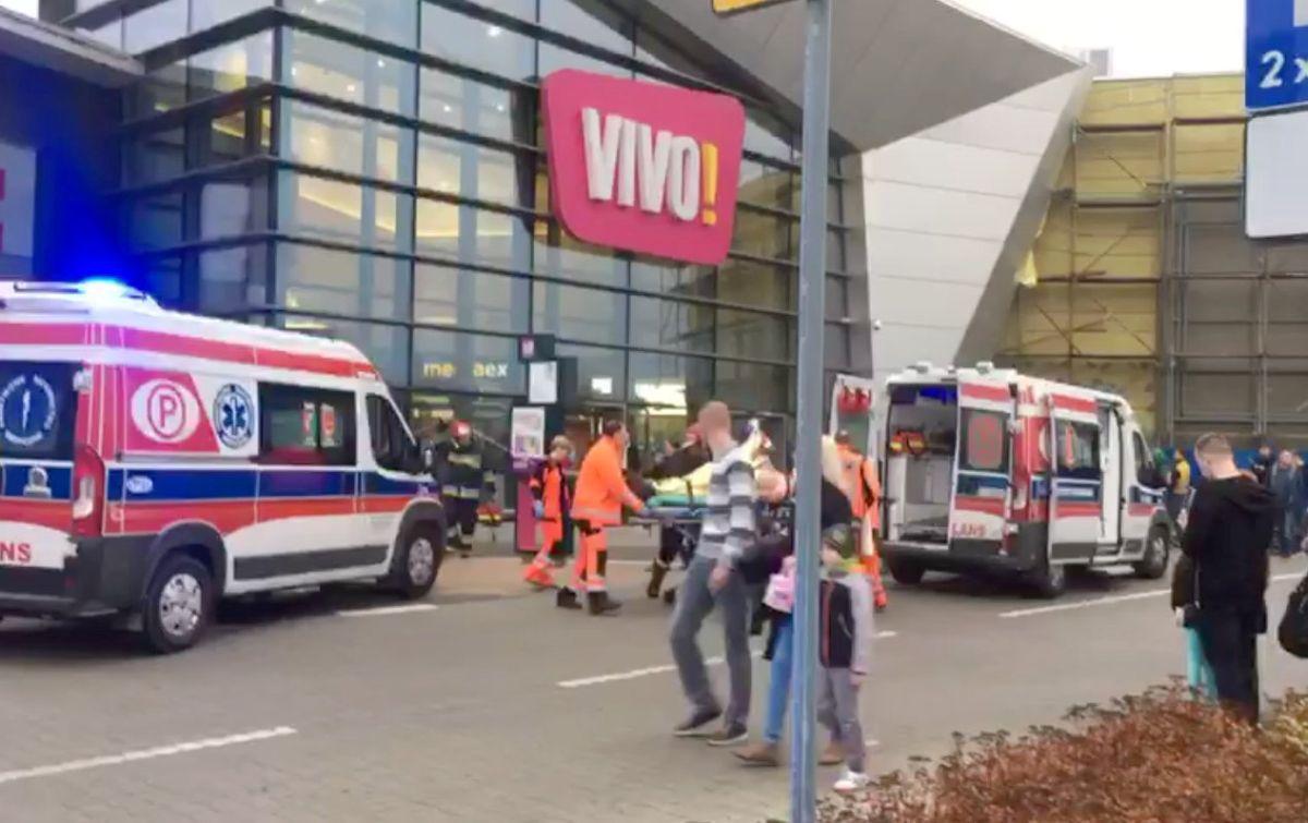 Мужчина напал на посетителей торгового центра / REUTERS
