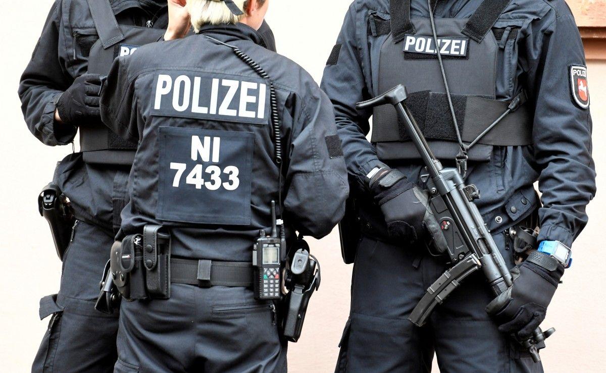 """У Німеччині поліцейські """"розмінували"""" секс-іграшку / фото REUTERS"""