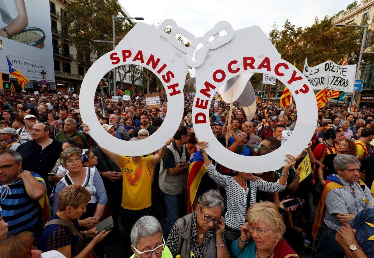 Демонстрация в Барселоне / REUTERS