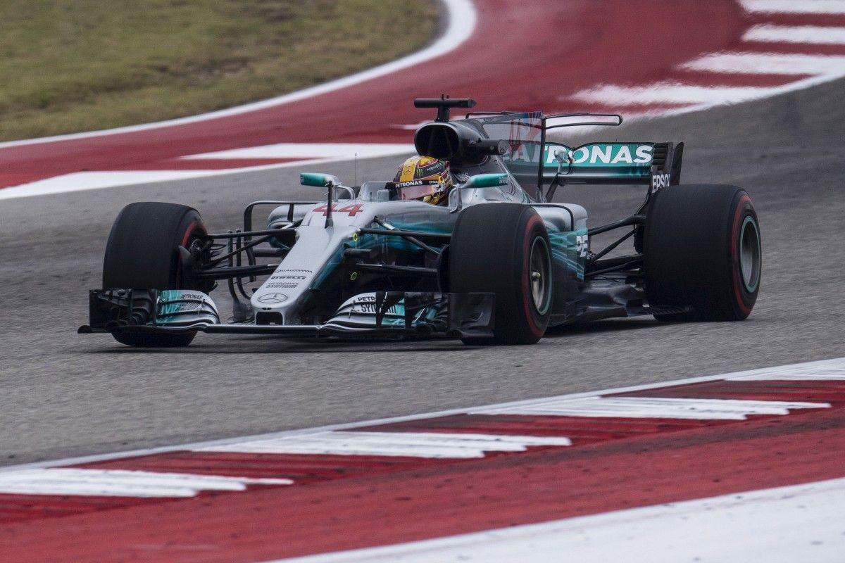 Хэмилтон завоевал поул на Гран-при Великобритании/ Reuters