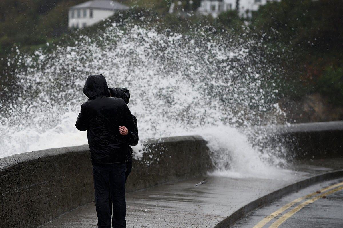 Ілюстрація : шторм / Фото REUTERS