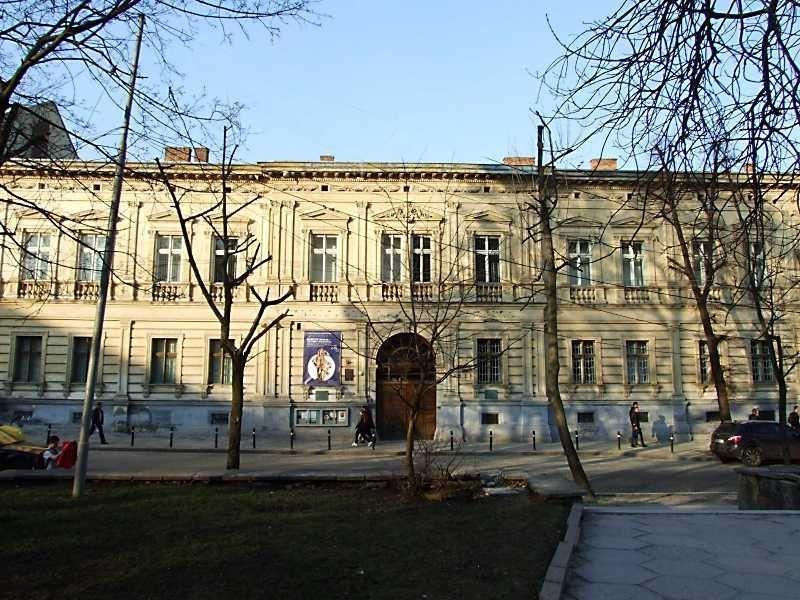 В фондохранилищах Львовской галереи искусств не досчитались 621 экспоната / фото: pslava.info