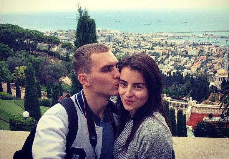 Евтеев погиб, а его жена Оксана сейчас находится в больнице / фото facebook.com/alisha.zybtseva