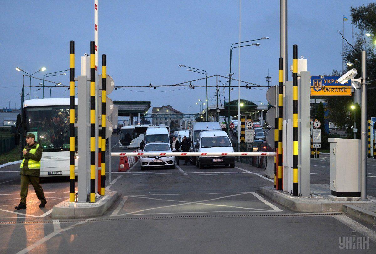 Очереди на границе с Польшей уменьшились / фото УНИАН