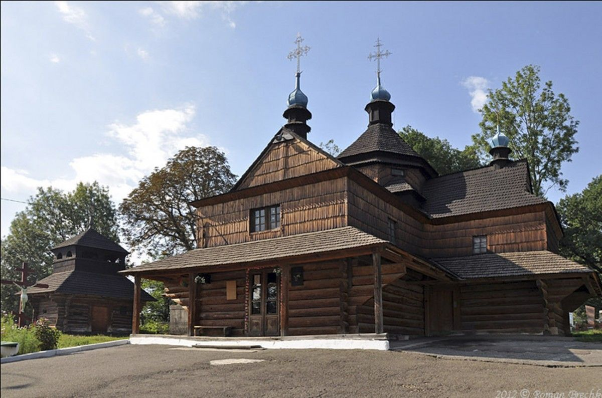 Капелланы униатской церкви напали наприхожан УПЦМП назападе Украины