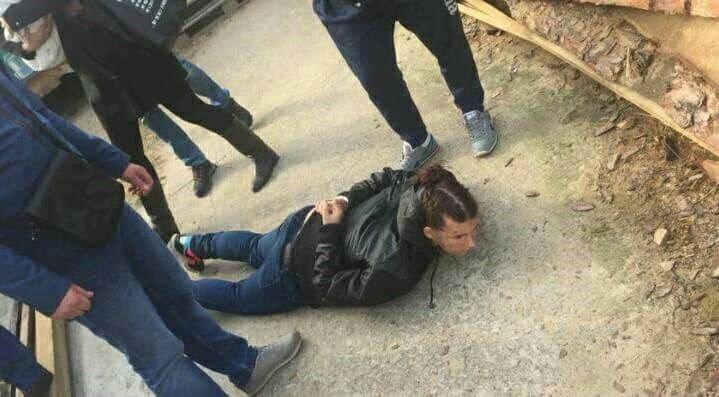 21 жовтня поліцейські затримали викрадачку та її співмешканця / фото facebook.com/KyivOperativ