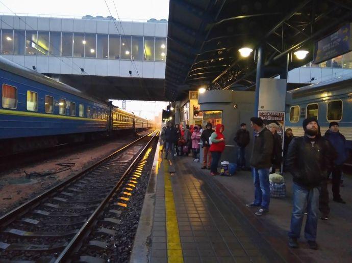 Небезпечних предметів на вокзалі не знайдено / фото Українська правда