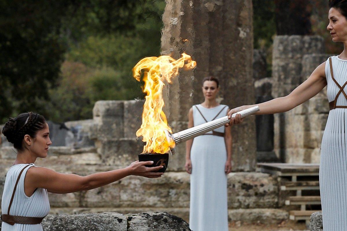 Вогонь Олімпіади-2018 мандруватиме світом протягом тижня після чого почнется естаіфета Південою Кореєю  / Reuters