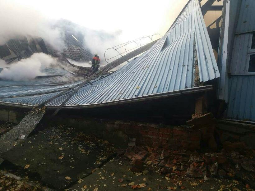 УКиївській області спалахнула масштабна пожежа вдитячій спортивній школі