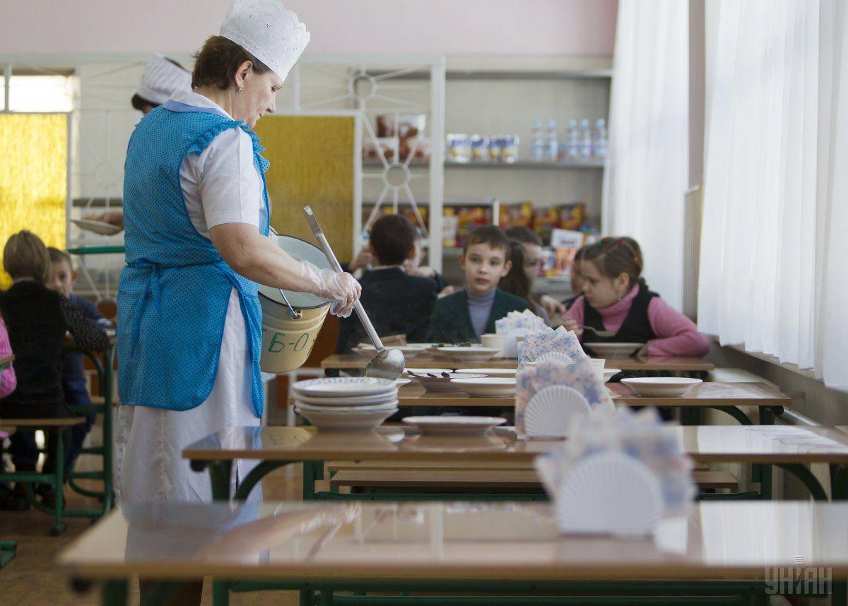 Діти отруїлися їжею зі шкільної їдальні / фото УНІАН