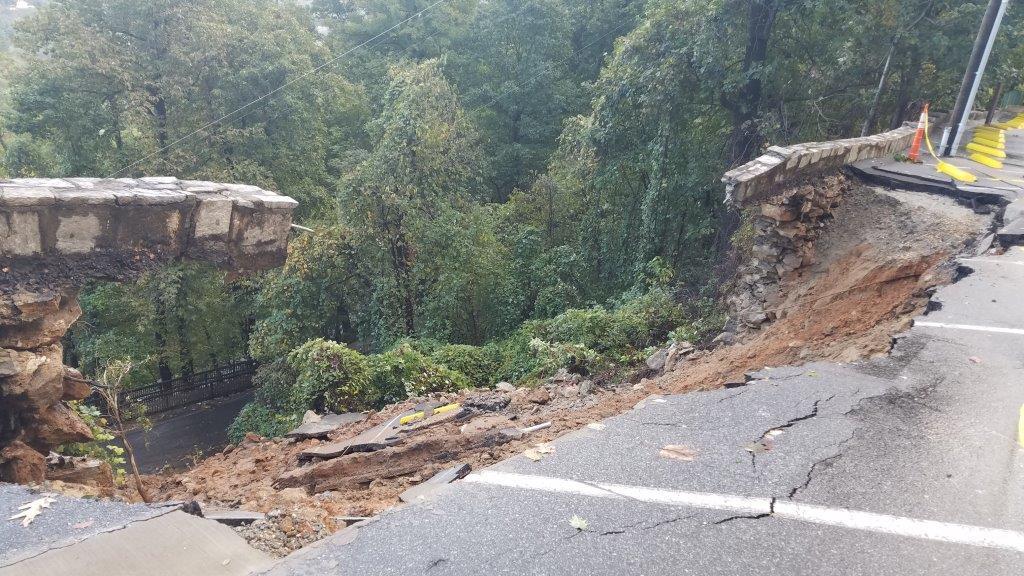 Последствия шторма в США / twitter.com @ChimneyRockPark