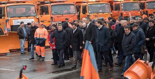Кличко осмотрел выставку спецтехники УК