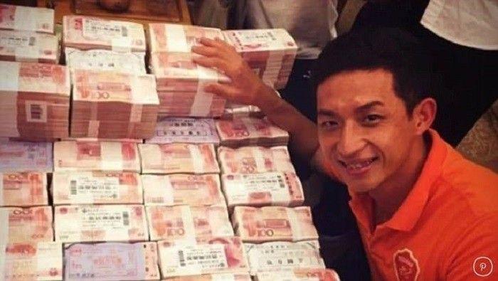 Футболісти китайської команди Мейчжоу Техань отримали солідні преміальні за підвищення в класі / dailymail.co.uk