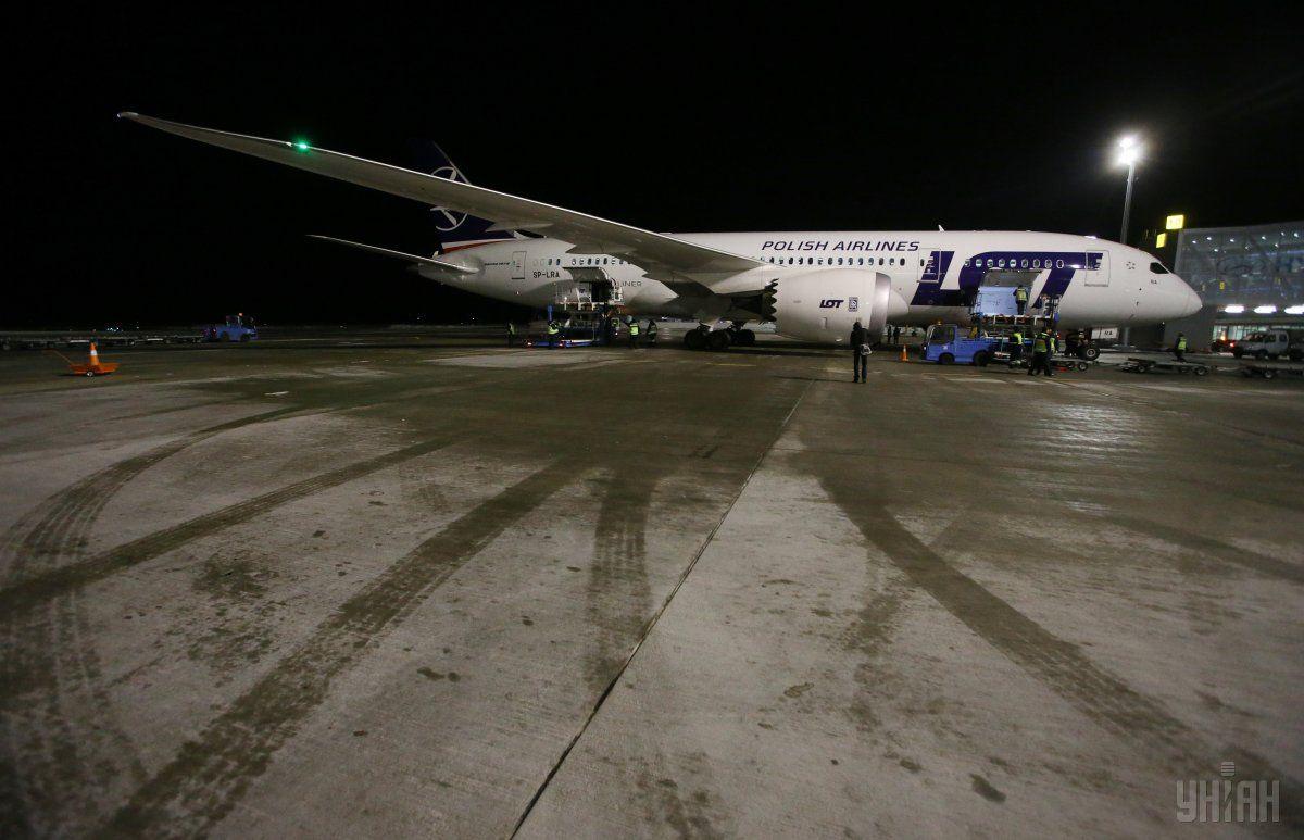 LOT может начать полеты в Днепр, Винницу и Ивано-Франковск / фото УНИАН