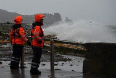 """К Великобритании и Ирландии приближается шторм """"Атия"""""""