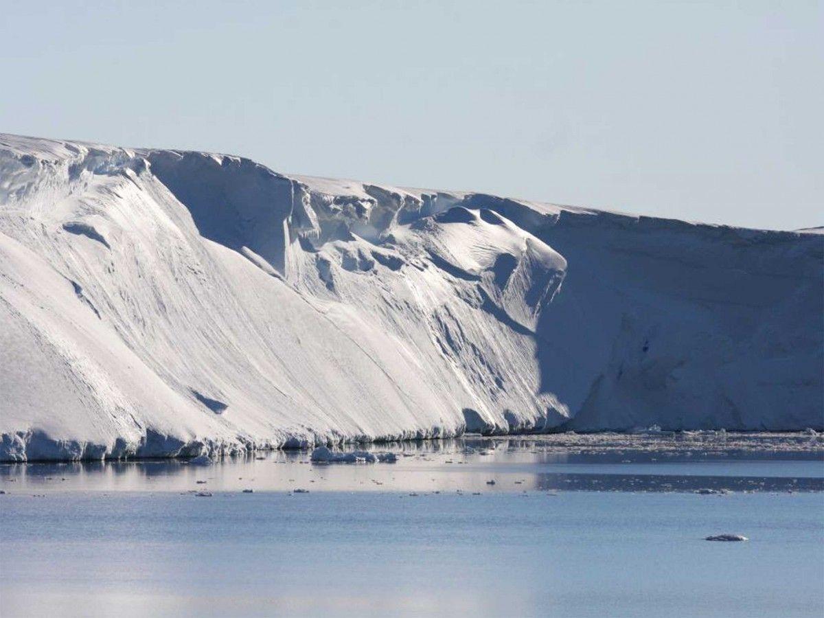 Ускорять разрушение ледника может ветер / фото naked-science.ru