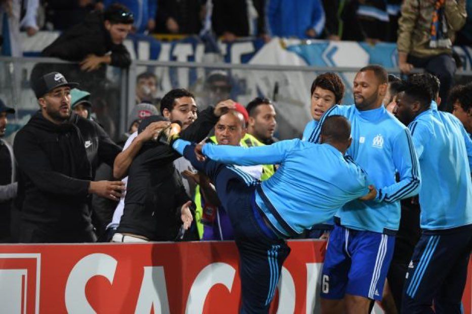 Эвра был удален с поля еще до начала матча / instagram.com/bewarmers