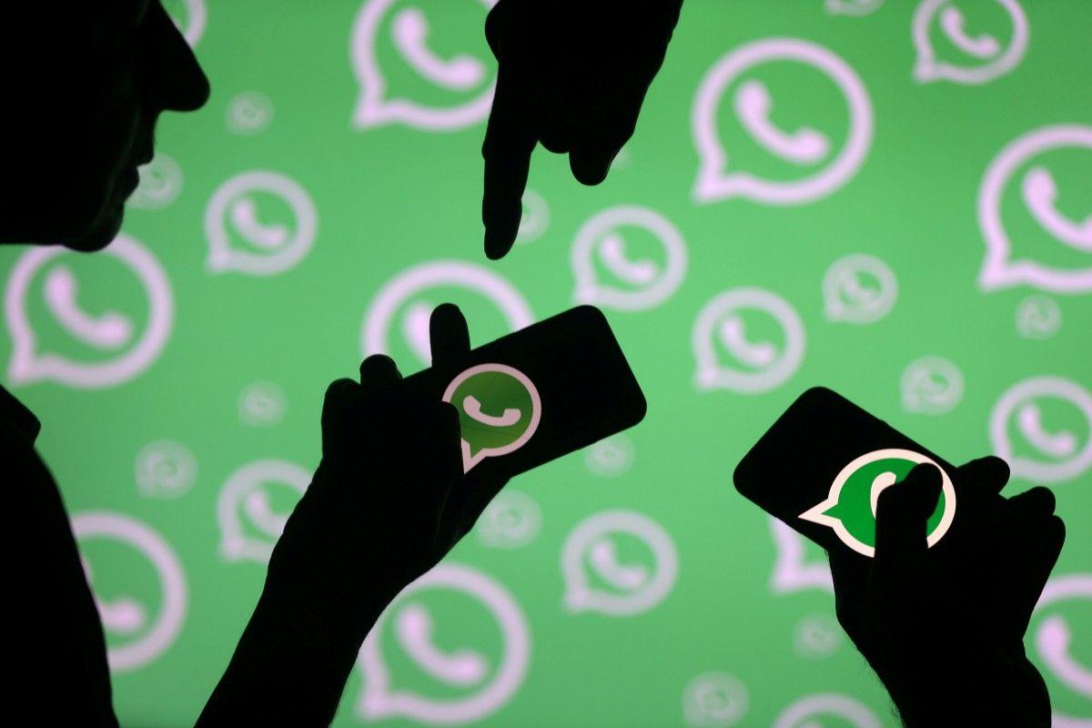 WhatsApp обязал пользователей делиться личными данными с Facebook / REUTERS