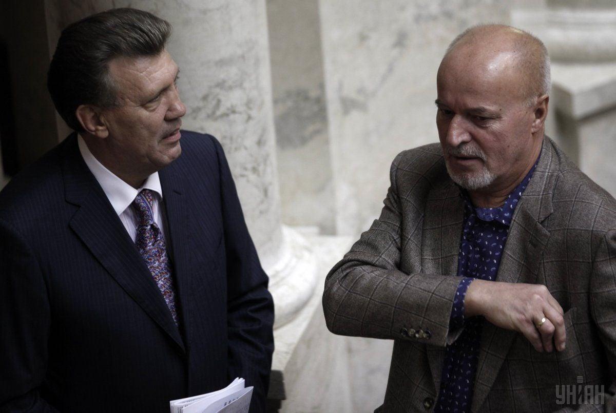 Антон Пригодський (праворуч) значиться як єдиний акціонер ТОВ ТЮК / фото УНІАН