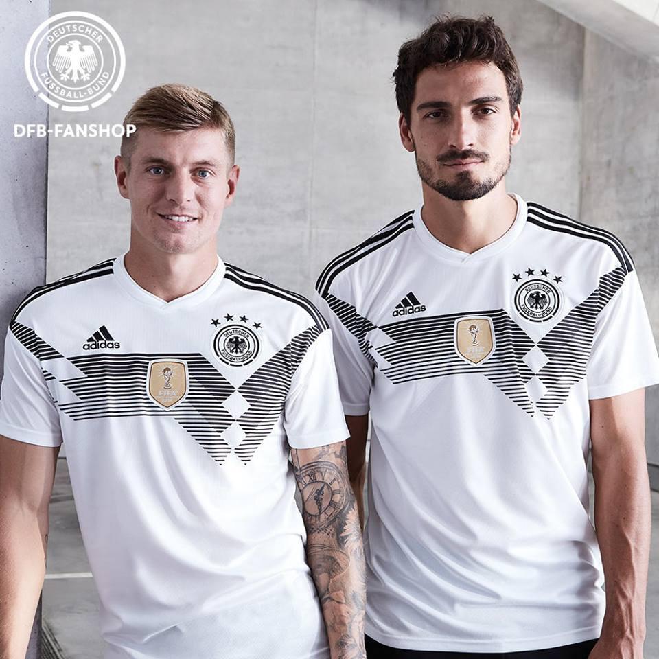 Збірна Німеччини представила ігрову форму для ЧС-2018 / DFB