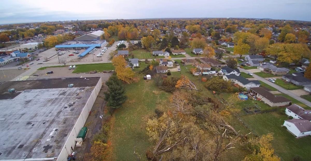 Наслідки торнадо у США / youtube.com Drone Videos