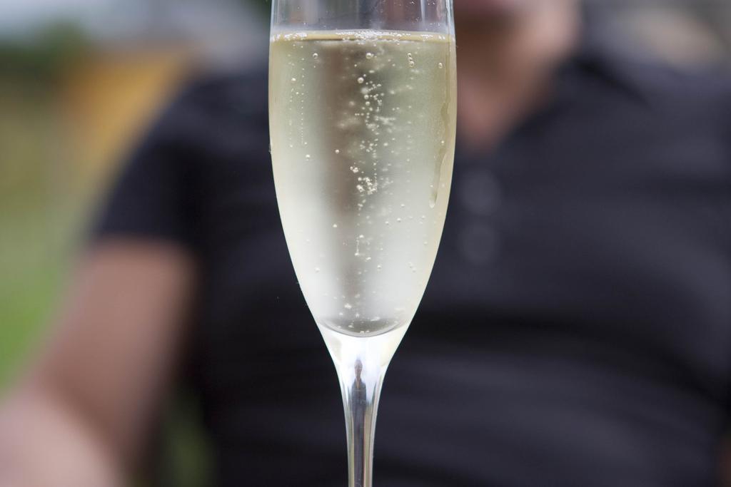 Шампанське - один з основних компонентів новорічного столу / фото Bart Vermeersch via flickr.com