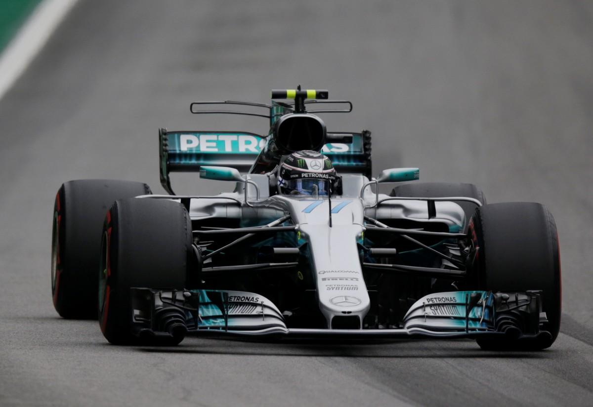 Боттас выиграл квалификацию Гран-при Бразилии / Reuters