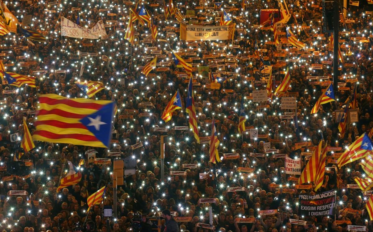 Акція у Барселоні на підтримку затриманих екс-міністрів уряду Каталонії 11 листопада / REUTERS