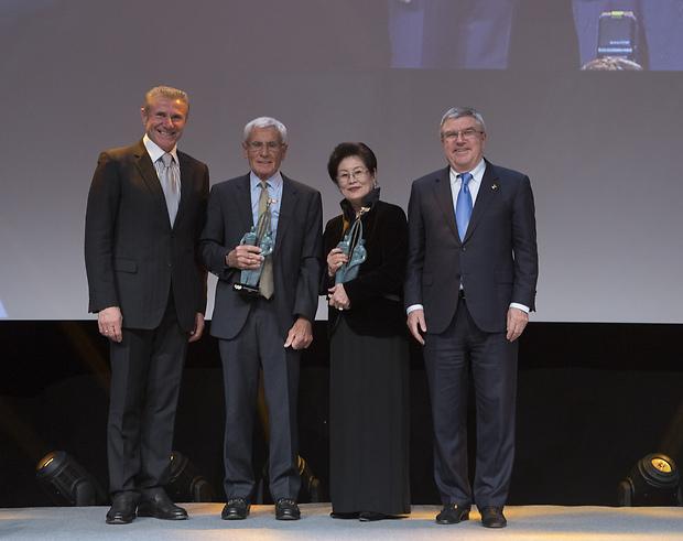 Бубка нагородив перших лауреатів нової нагороди МОК / noc-ukr.org