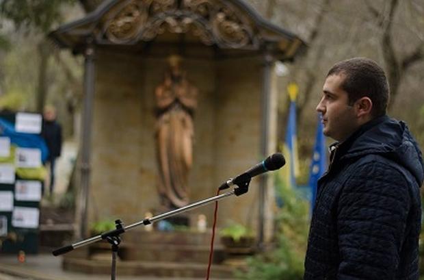 На Тернопільщині в пам'ять про загиблих на Майдані та в АТО героїв встановили капличку  / фото УНІАН