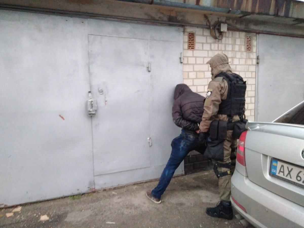В Киеве задержали вооруженную группу