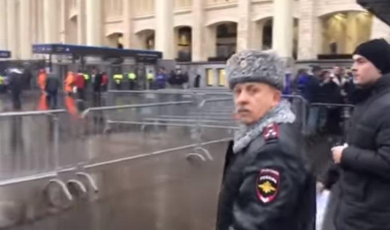 Разыскиваемого экс-замглавы милиции Киева заметили в Москве во время охраны матча