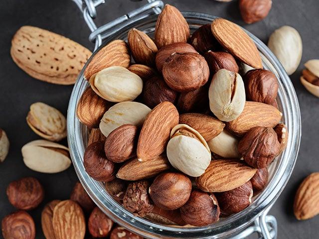 Ореховые волокна обладают свойством связывать некоторые жиры, способствуя их выведению из организма / newsru.co.il
