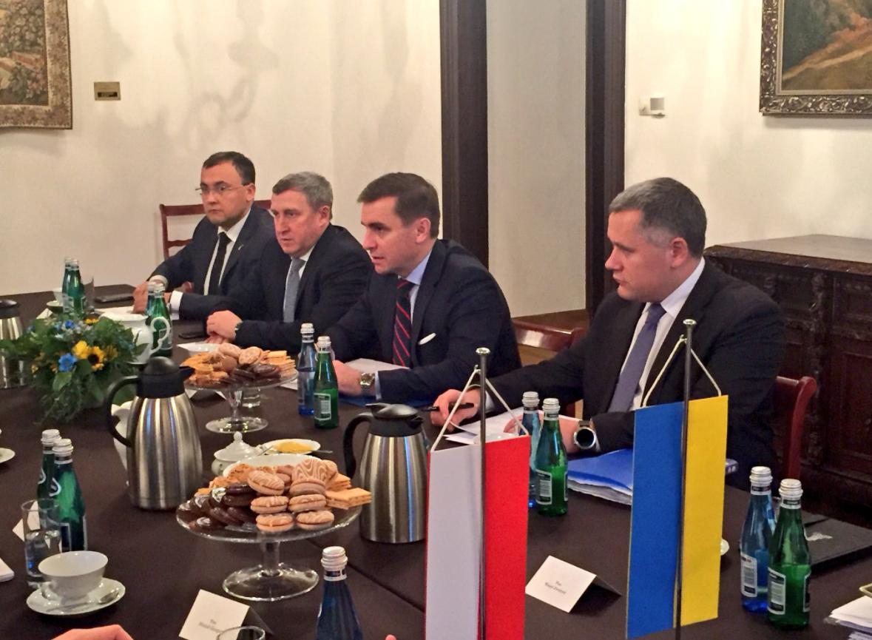 Комітет президентів України і Польщі проводить засідання уКракові